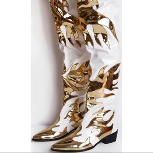 PrettyLittleThing Shoes - Thigh-high white&gold cowboy boots